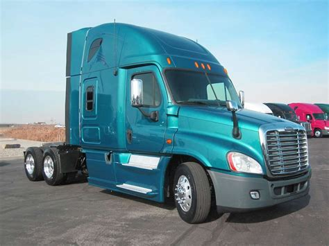 Truck With Sleeper For Sale by 2013 Freightliner Cascadia 125 Sleeper Truck For Sale