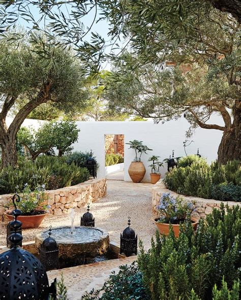 Small Mediterranean Garden Ideas Best 25 Mediterranean Garden Ideas On Mediterranean Garden Design Small