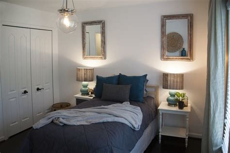 how to make a small master bedroom look bigger how to make a small master bedroom feel bigger decorate 101