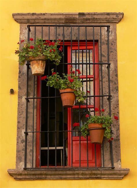 persianas san miguel de allende a window somewhere in san miguel de allende decoracion d