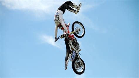 freestyle motocross wallpaper wallpaper motocross fmx rider freestyle maneuver