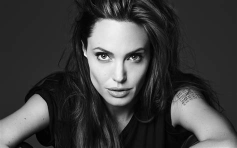 angelina jolie wallpaper black and white angelina jolie black and white pictures