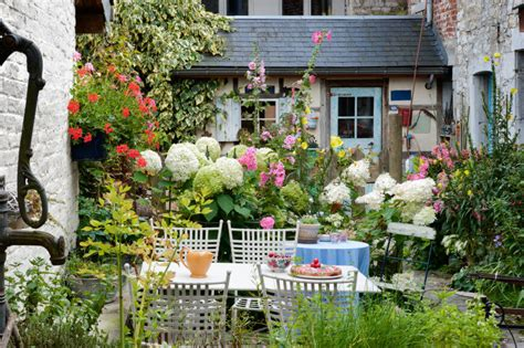 Ideas Small Gardens 35 Wonderful Ideas How To Organize A Pretty Small Garden Space