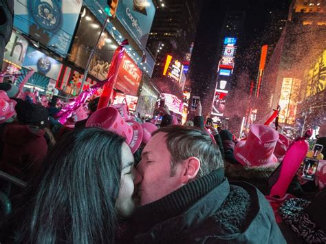 new years new york 2015 world welcomes 2015 see the most spectacular celebrations