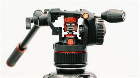 manfrotto nitrotech n8 closer look at manfrotto s innovative lightweight tripod
