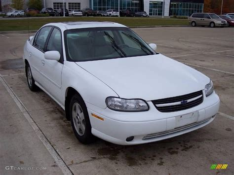 white chevy malibu 2002 bright white chevrolet malibu ls sedan 20922255