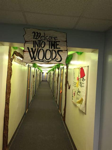 themes for college hallways hallway decorations under the sea and hallways on pinterest