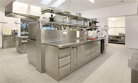 Commercial Restaurant Kitchen Design by Progettazione Della Vostra Cucina Industriale In Acciaio