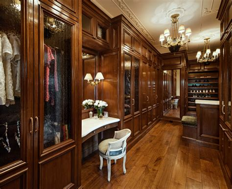 Home Wardrobe A Look At Some Lavish Walk In Closets Homes Of The Rich