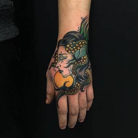 tattoo de jesus na mao 80 tatuagens na m 227 o lindas as melhores fotos