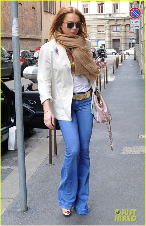 Lindsay Lohan Day Pass To Shop by Lindsay Lohan Spends A Day In Italy Shopping Photo