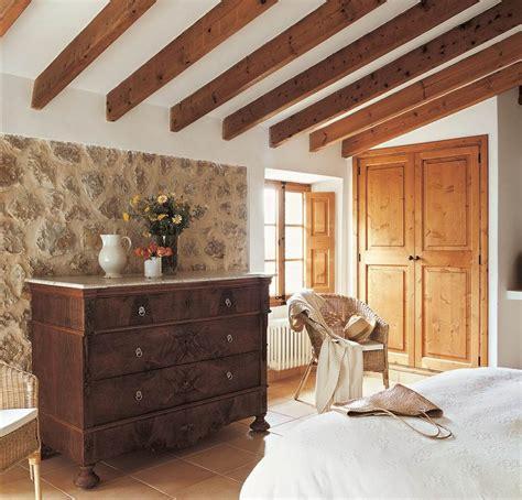 Restauracion De Muebles Viejos #2: Comoda-dormitorio-rustico-pared-piedra-vigas-vistas_1000x958_6793715d.jpg
