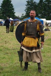 look a viking for dan viking man clothing replica of gokstad weaving sewing and