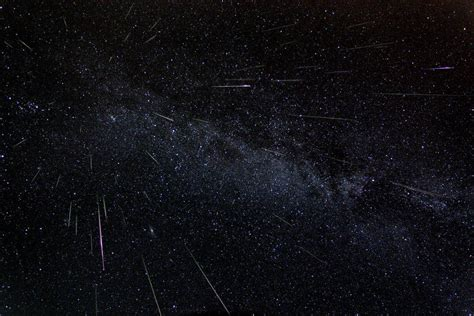 Nasa Live Perseid Meteor Shower by Live Nasa Tv Host Perseid Meteor Shower Program