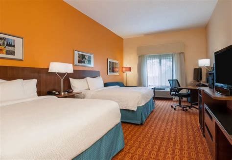 hotel rooms in baton fairfield inn suites baton south by marriott 2017 room prices deals reviews expedia