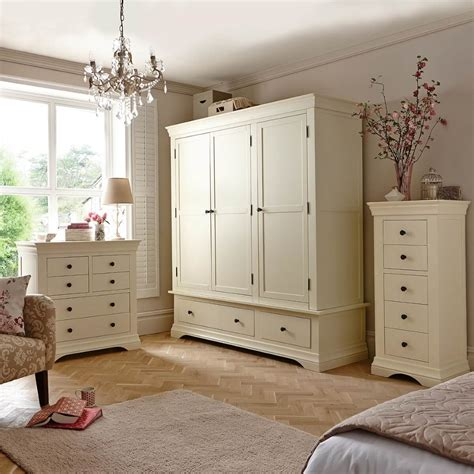 ivory bedroom chair ivory painted bedroom furniture 28 images 10 best
