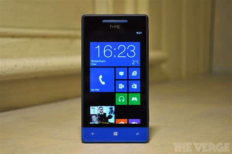 themes htc windows phone 8s htc windows phone 8s review the verge