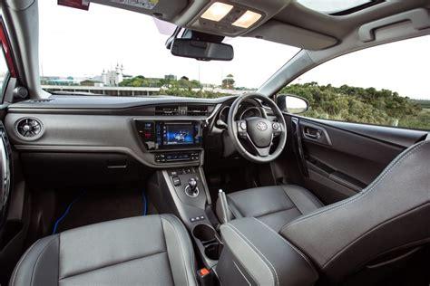 Auris Hybrid Interior Auris Touring Sports Hybrid Interior 2017 Toyota Uk