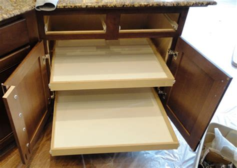 HOME DZINE Kitchen   DIY pull out storage drawers