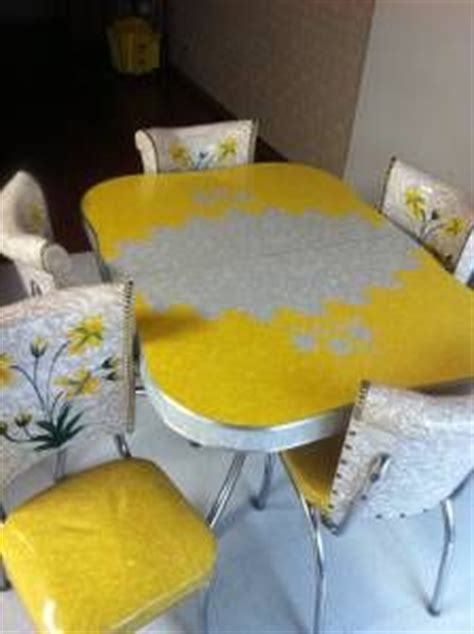 chrome kitchen dinette table  chairs images vintage kitchen dinette sets table