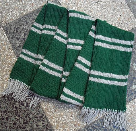 knitting pattern gryffindor scarf slytherin scarf clothes and accessories pinterest
