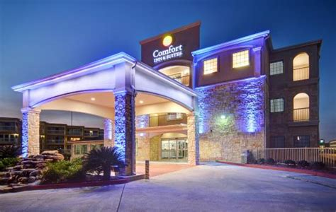 restaurants comfort tx comfort inn suites beachfront 94 1 0 1 updated