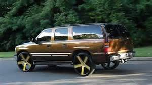 Flop chevy suburban on 30 gold dub ballers at mlk park 2016 12 13