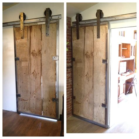 How To Make A Rolling Barn Door Custom Rolling Barn Door Handcrafted Barn Doors Barns And Doors