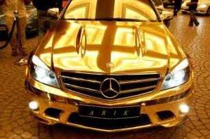 Mercedes El Dorado Mercedes C63 En Oro