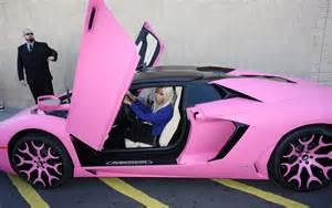 nicki minaj new pink car nicki minaj pulls up to clothing launch in bright pink