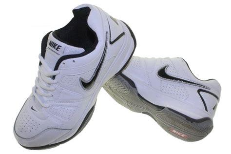 Sepatu Badminton Nike jual beli sepatu tenis running lari