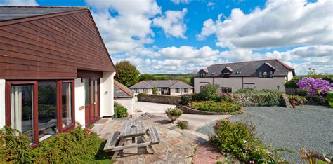 bude holiday cottages with on site indoor pool