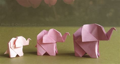 Origami Elephant - origami animals great inspiration for my geometric flower