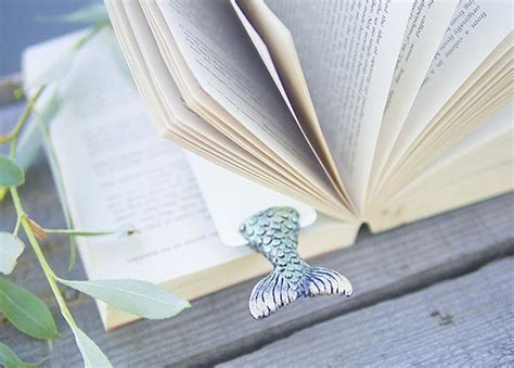Cool Handmade Bookmarks - 20 cool unique bookmark designs styles that you should