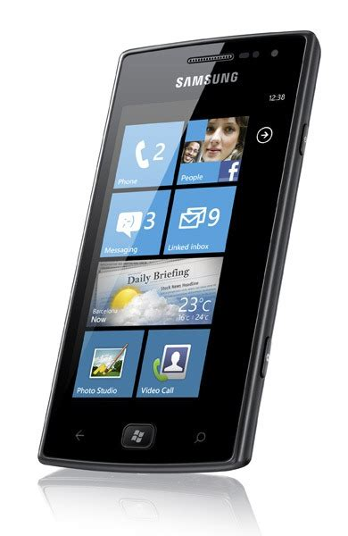 samsung omnia w joins the windows phone 7 5 device line up liveside net