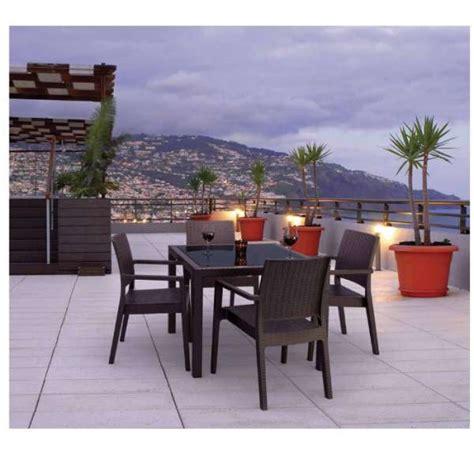 table de jardin carr 233 e en r 233 sine tress 233 e et verre bali 4 pieds tables chaises et tabourets
