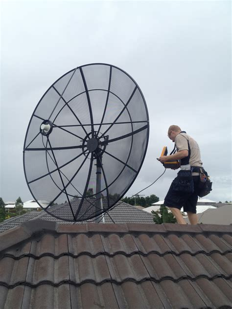 Dish Installer by Satellite Tv Technical Whizz