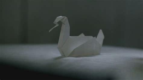 Origami Duck Prison - primeira temporada prison origami