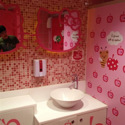 hello kitty bathtub hello kitty bathroom hello kitty bathroom