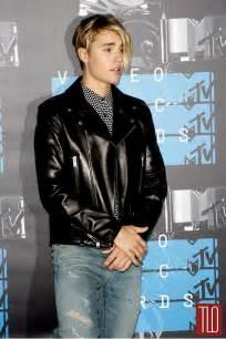 Justin bieber 2015 videom music awards red carpet fashion tom lorenzo