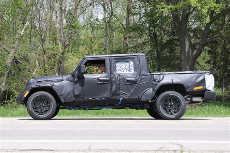 jeep truck spy photos spy shots 2019 jeep wrangler pickup truck spotted in