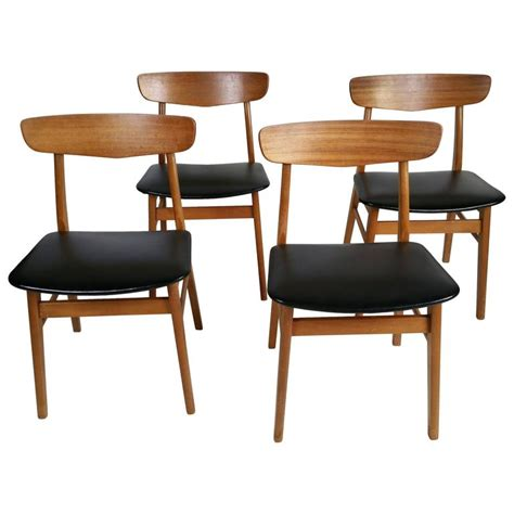 danish dining room chairs set of four danish modern dining chairs at 1stdibs