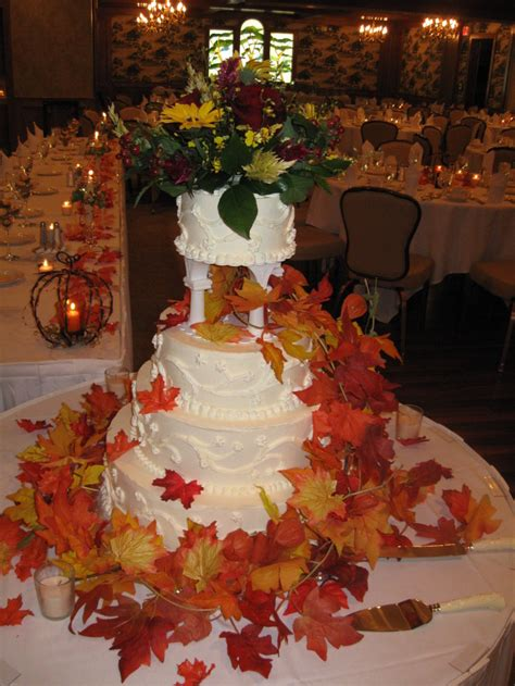 Fall Wedding Cakes by Fall Wedding Cake Ideas For Incorporating Fall Effect