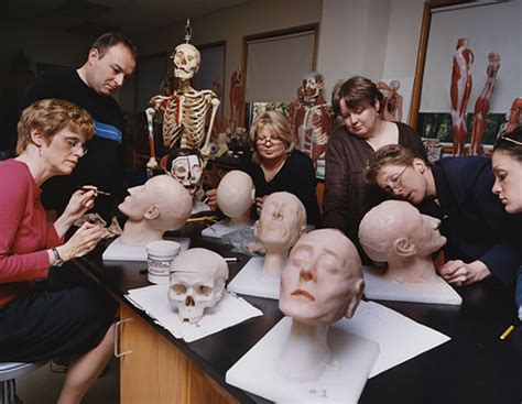 what to look for while choosing a mortician school