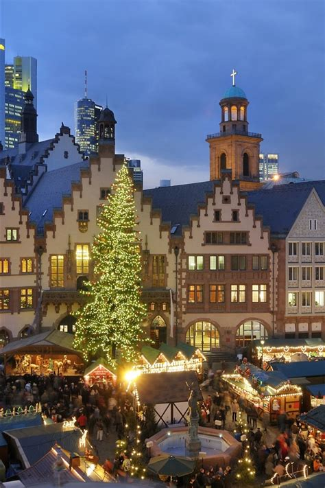 wallpaper christmas houses night lights people market europe  uhd  picture image