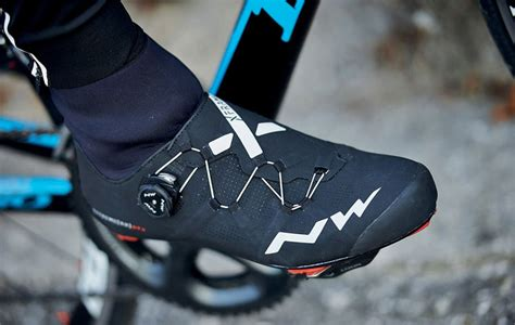how to choose road bike shoes which winter road shoes are for you crc s essential guide