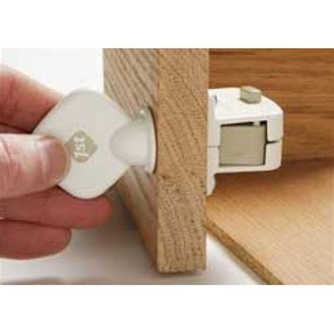 safety 1st magnetic locking system key walmart