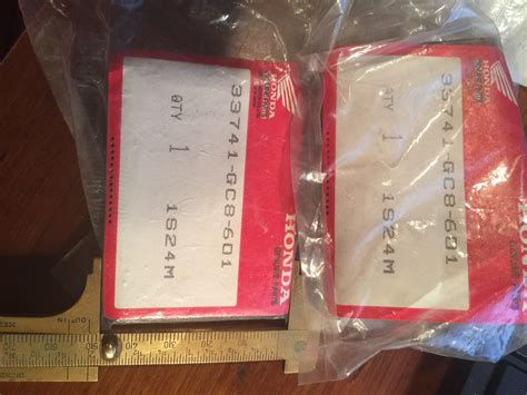 click picture to enlarge rear bumper reflector fl250 1977 to 1984 sold each 322e
