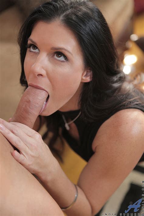 Brunette Milf India Summer Take It From Behind Milf Fox