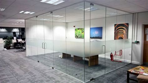 Vinyl Lantai 12mm Roll 081296253328 album partisi kaca frameless dari prime glass works